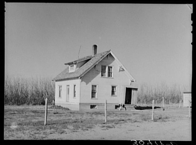 Home of Mr. Jorgenson, farmer in Divide County. North Dakota