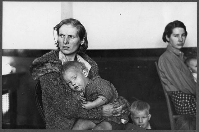 Mother and child, flood refugees in a schoolhouse at Sikeston, Missouri