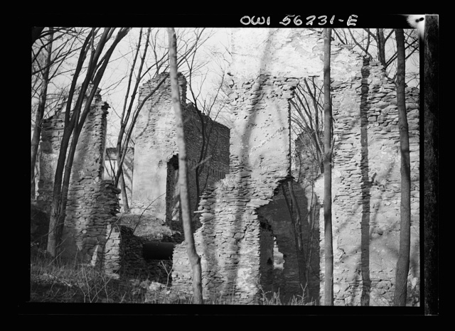 Philadelphia (vicinity), Pennsylvania. Ruins of an unidentified building, perhaps in nearby Montgomery County