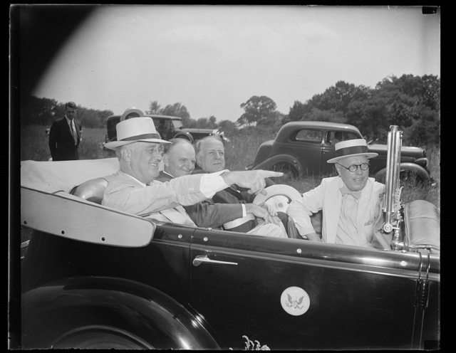President inspects sites for new Naval Hosp. Washington, D.C., Aug 4. Accompanied by members of Congress and the Surgeon General of the U.S. Navy, President Roosevelt today drove 20 miles through the District of Columbia to inspect two sites for the Navy's new $4,800,000 hospitals. In the photograph, left to right: President Roosevelt, Rep. Carl Vinson, Chairman of the House Naval Affairs committee, Senator David I. Walsh, Chairman of the Senate Naval Affairs committee, and Rear Admiral P.S. Rossiter, Surgeon General of the Navy