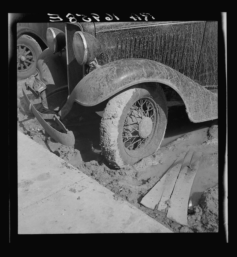 This year (1937) there are floods and heavy rain in the Dust Bowl. Auton, Texas