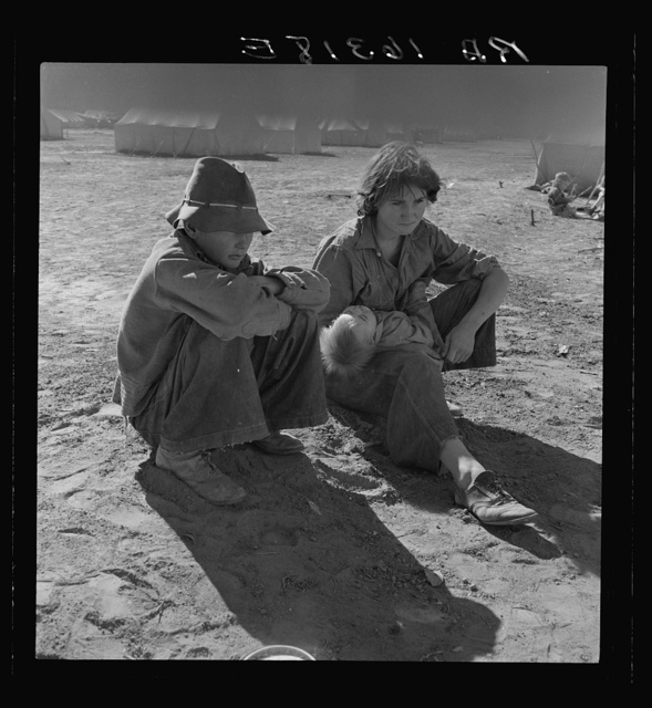 Young Oklahoma mother, age eighteen, penniless, stranded in California. Imperial Valley