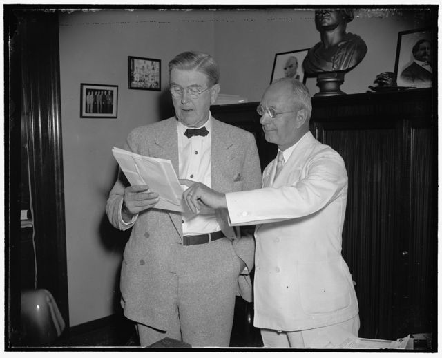 [...]ahay, D. of Ohio, Chairman of the TWA [Investigating] Committee, with Thomas Panter, Chief [Engineer] of the Committee