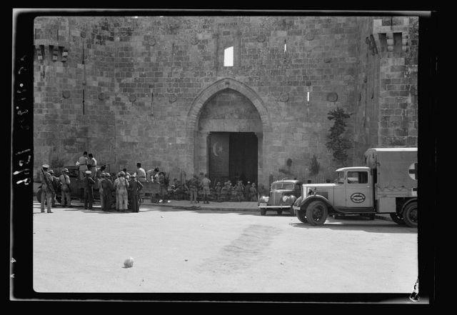 Army after opening Damascus Gate are evacuating & arresting certain individuals, rebels, etc.