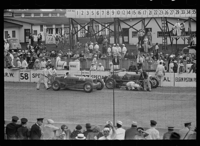 Automobile races, Indianapolis, Indiana