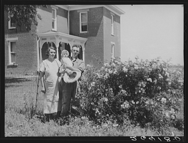 Earl Armentrout, wife and youngest child. Scioto Farms, Ohio