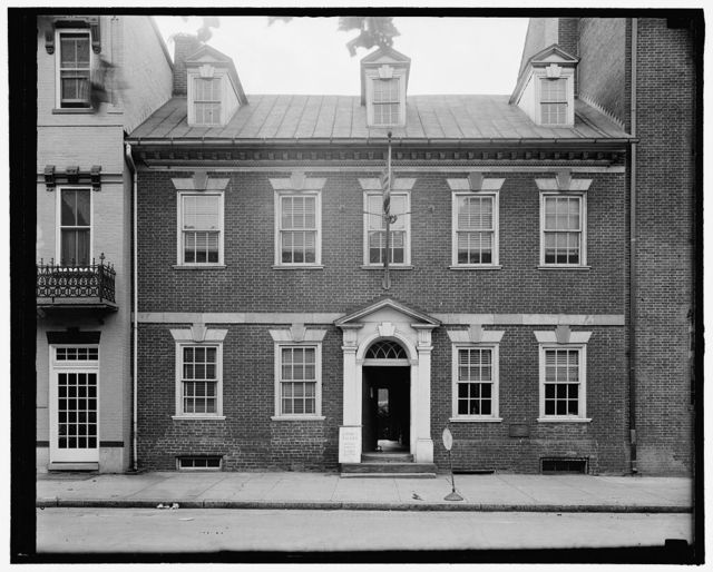 Exterior of Gadsby's Tavern