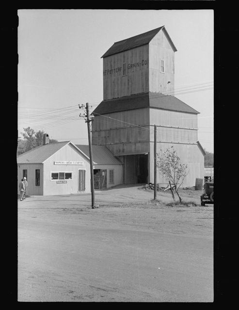 Farmer's Union Coop, elevator, Centralia, Kansas. This cooperative, which also runs a general store in town, has received a loan from the FSA (Farm Security Administration)