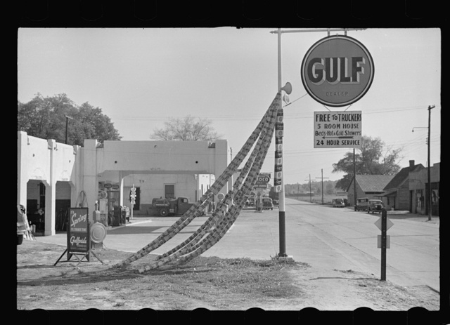 Gas station with trucker's quarters, Enfield, North Carolina