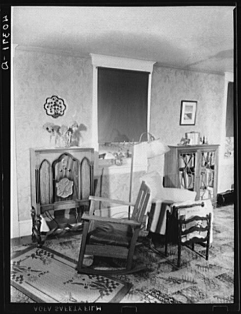 Lancaster County, Pennsylvania. A portion of the living room in the house of the farm of Enos Royer