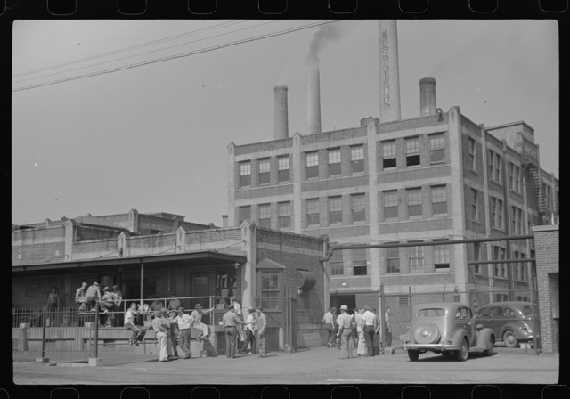 Lunch hour, part of Carbon Carbide Company (West Vaco). South Charleston, West Virginia