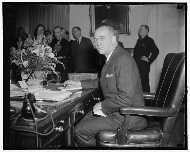 Marshall R. Diggs, Chief Supervisory Receiver and 1st Deputy Comptroller of the Currency