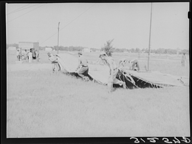 Moving canvas of big tent. Lasses-White show. Sikeston, Missouri