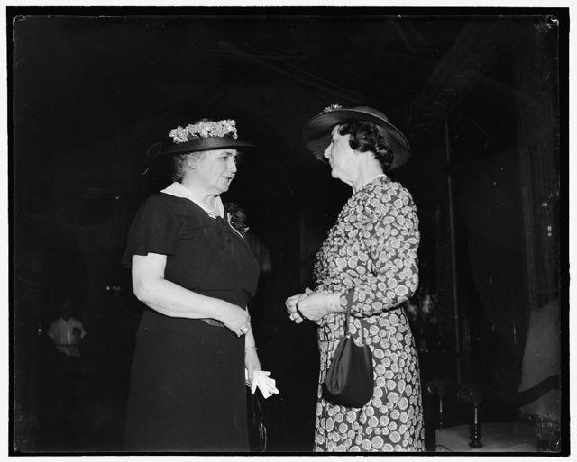 Mrs. Woodrow Wilson & Mrs. Cordell Hull