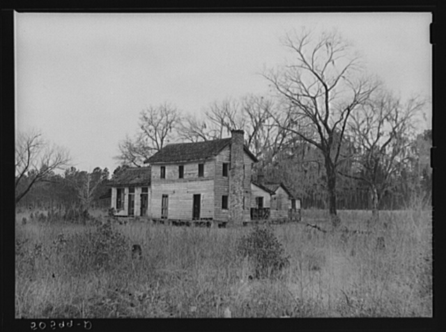 Old home near Summerville, South Carolina