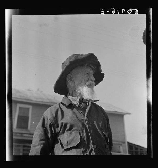 Old man near Wadesboro, North Carolina