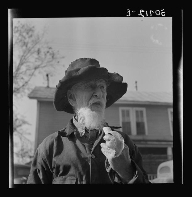 Old man near Wadesboro, North Carolina