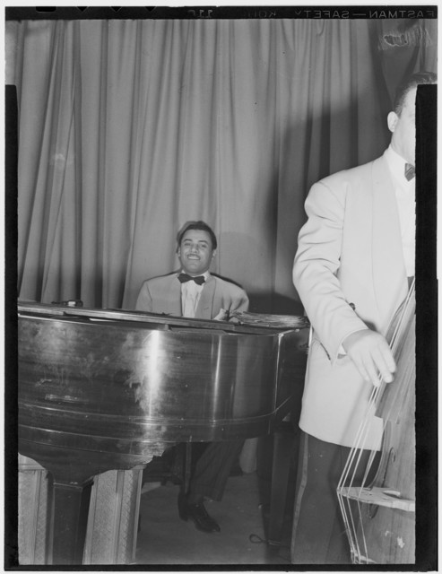 [Portrait of Billy Kyle, New York, N.Y.(?), between 1938 and 1948]