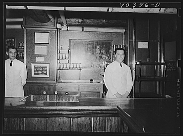 Pottsville, Pennsylvania. Bar in Necho Allen hotel