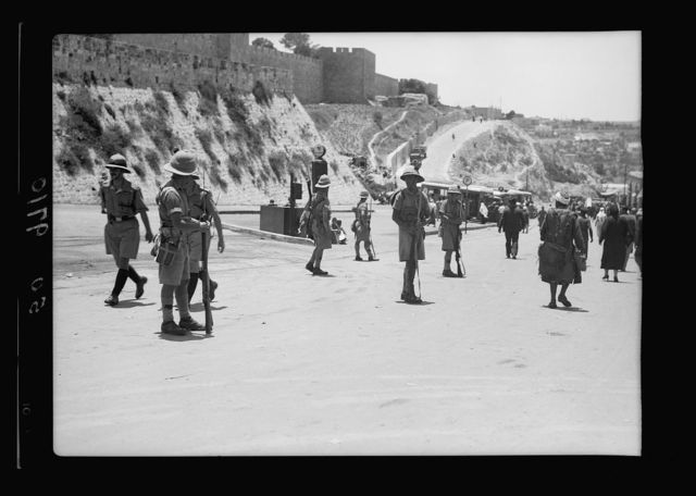 Result of terrorist acts & government measures. Army controlling traffic near Citadel [Jerusalem], July 8, 1938