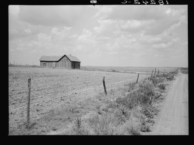 Roswell (vicinity), New Mexico. Abandoned farm on the edge of the Great Plains