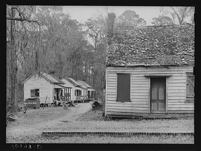 Servant quarters, Summerville, South Carolina, in rear of home