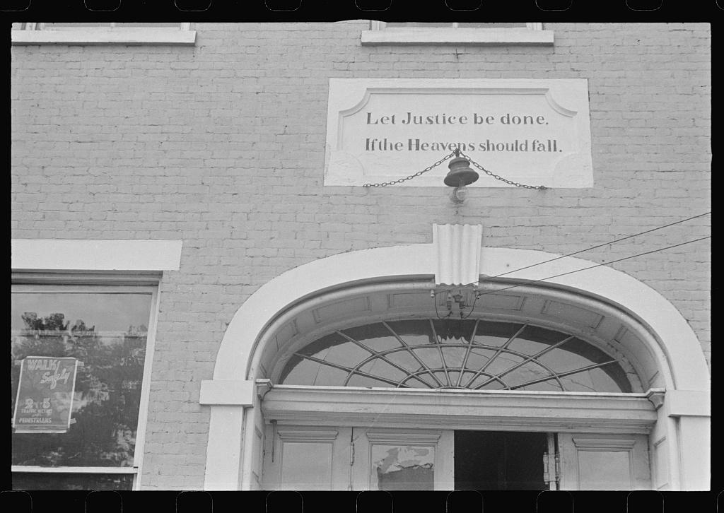 Sign on courthouse, Somerset, Ohio