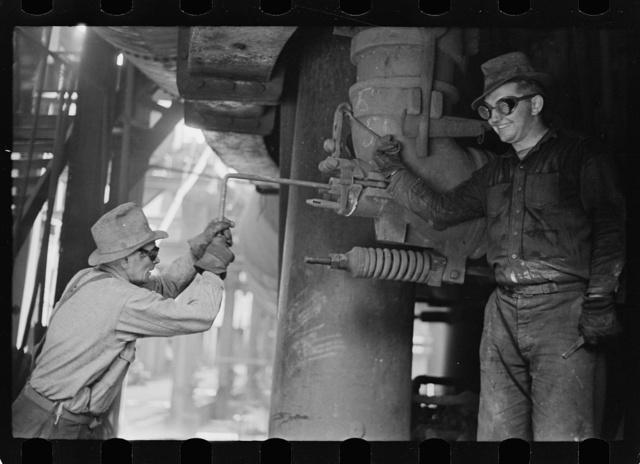 Steelworkers at blast furnace, Pittsburgh, Pennsylvania