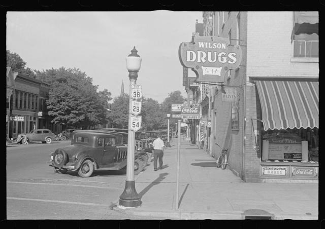 Street scene, Washington Court House, Ohio (see general caption)