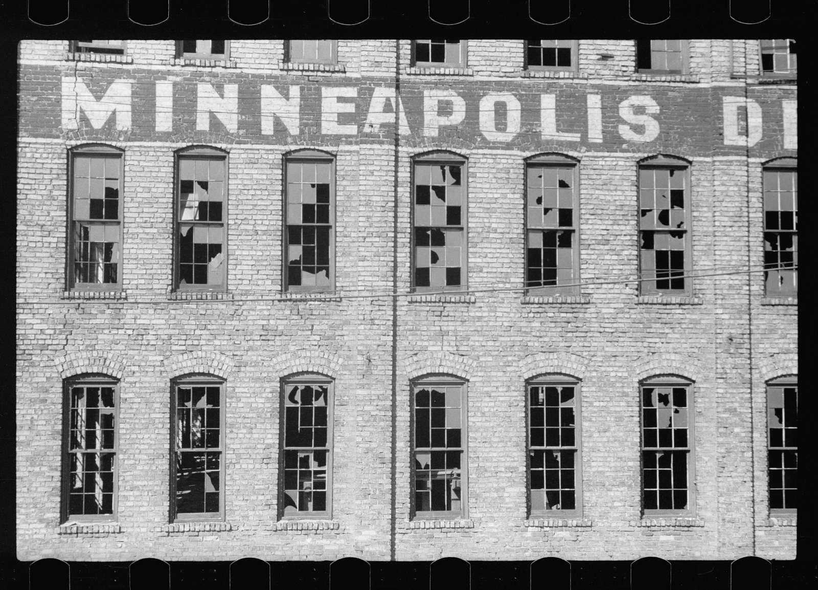 Abandoned factory, Minneapolis, Minnesota