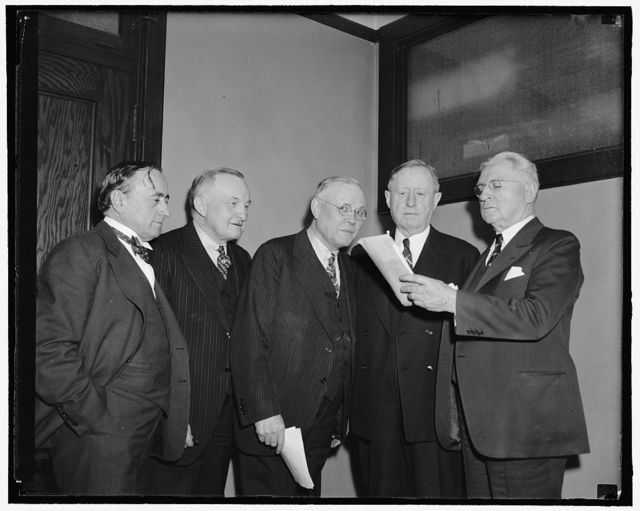 A.F. of L. Council meets to consider truce with C.I.O. Washington, D.C., Following a surprising speech over radio networks last night by John L. Lewis, the Executive Council of the American Federation of Labor met this afternoon to consider peace proposals to settle differences between the Congress of Industrial Organizations and their group. Left to right: Matthew Woll, T.A. Rickert, William Green, President of the A.F. of L. H.C. Bates, and Daniel J. Tobin. 3-22-39
