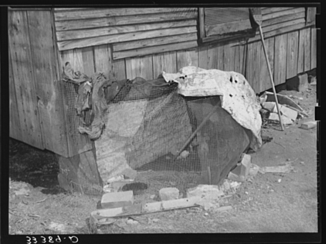 Chicken coop of Negro agricultural day laborer. Muskogee County, Oklahoma