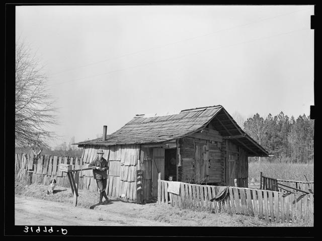 Corncrib home of Mot Tucker. Antioch, Mississippi