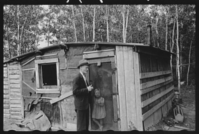 County supervisor visiting family of FSA (Farm Security Administration) rehabilitation borrower, Lake of the Woods County, Minnesota