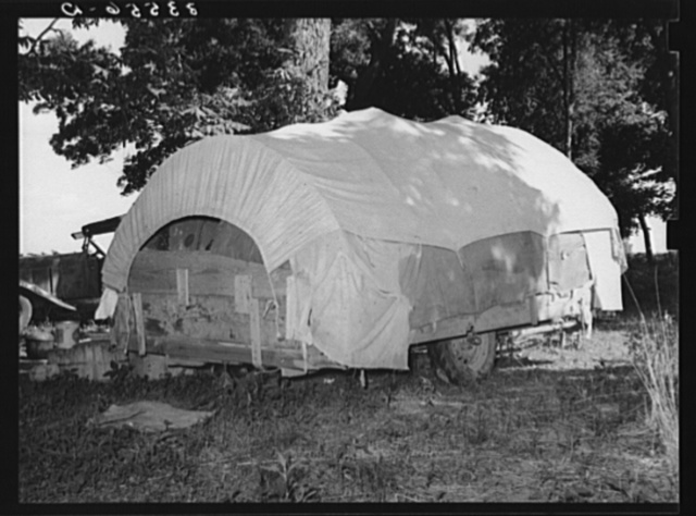 Covered wagon trailer home of migrant from Texas near Tullahassee, Oklahoma. Wagoner County