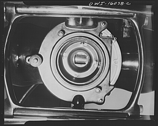 Detroit, Michigan. New method of making x-ray photographs size 4x5 inches instead of larger. Used at the Herman Kiefer Hospital for Communicable Diseases to show various stages of tuberculosis. Front of an x-ray tube apparatus