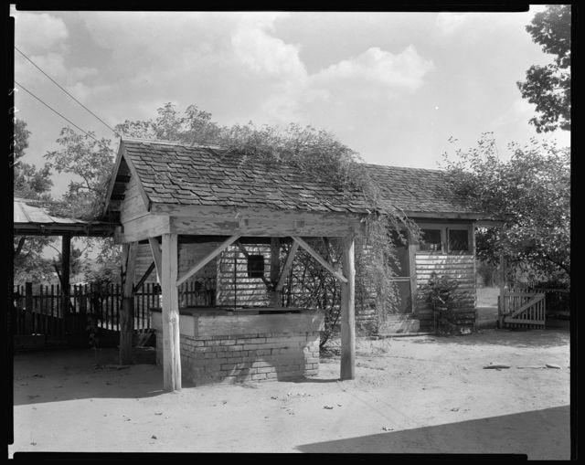 E.B. Cade-Saunders House, Washington, Wilkes County, Georgia
