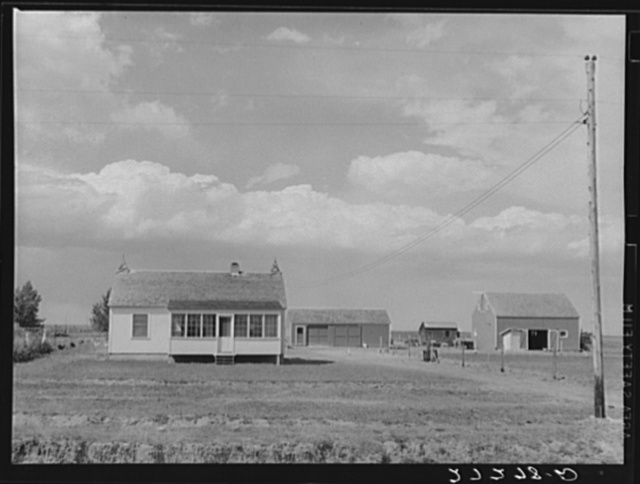 Farm unit. Fairfield Bench Farms, Montana