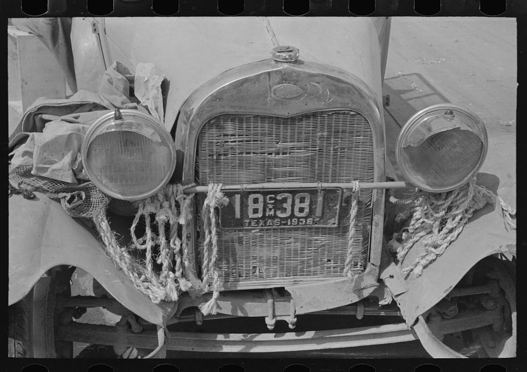 Front of peddler's car, market, San Antonio, Texas