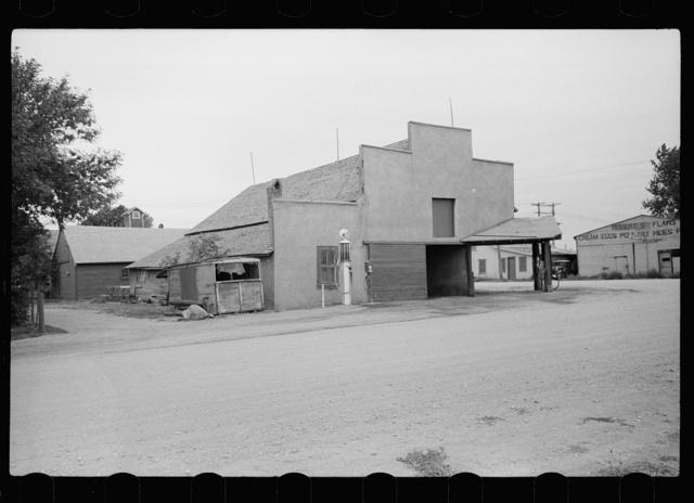 Garage with false front, Sisseton, South Dakota