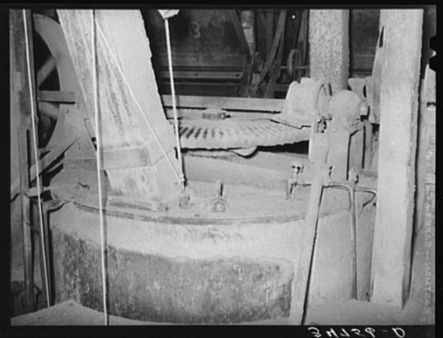Gears and all machinery in a cotton seed oil mill are covered with a fine dust. Cotton seed oil mill. McLennan County, Texas