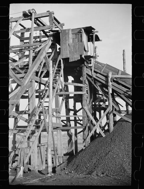 Gopher hole tipple, Williamson Co., Illinois (see 26940-D)