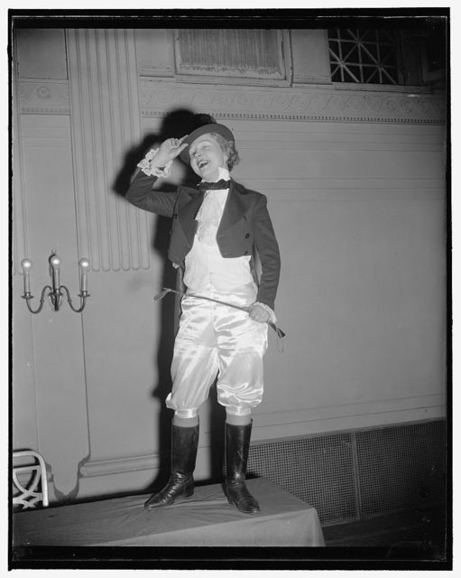 Gridiron widows. Taking a bow here is Mrs. Raymond Clapper, Ringmaster at the round-up of presidential candidates wives