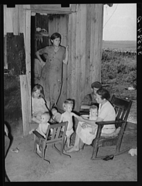 Group of agricultural day laborers and their children near Tullahassee, Oklahoma. Wagoner County