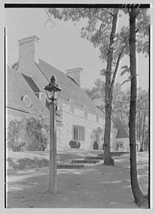 Harold F. Reindahl, residence on Forest Rd., Essex Fells, New Jersey. Entrance facade, vertical sharp detail