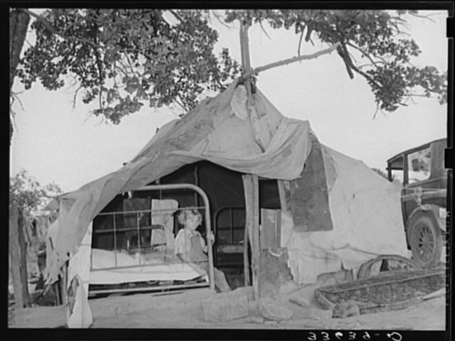 Home of itinerant statue maker and agricultural day laborer living on Poteau Creek near Spiro, Oklahoma. Sequoyah County