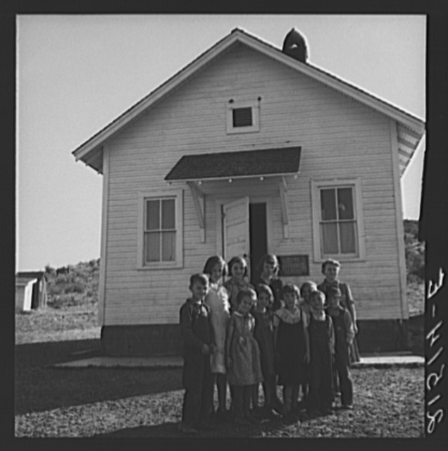 Jacknife School, Gem County, Idaho. Eleven pupils, two of them children of families belonging to Ola self-help sawmill co-op. General caption 48
