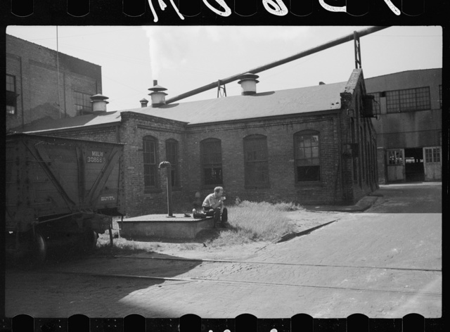 Lunch hour, tractor factory, Minneapolis, Minnesota