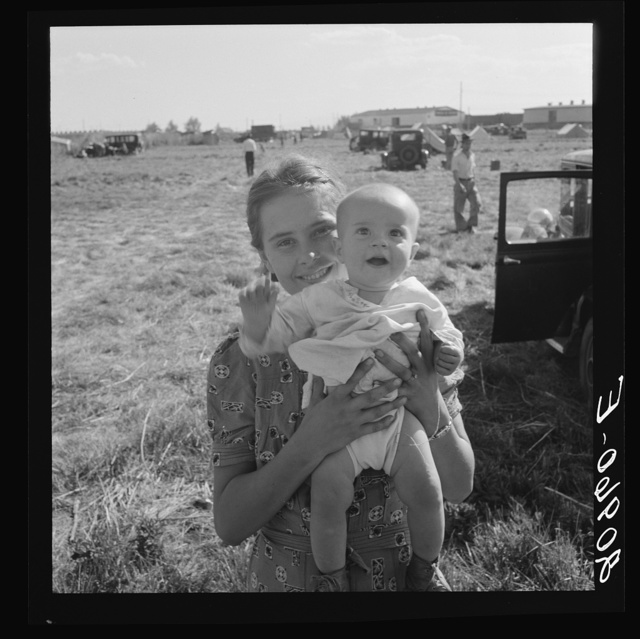 Migrant potato pickers. Tulelake, Siskiyou County, California. General caption number 63-1
