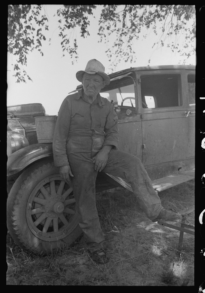 Migrant worker camped along band of Arkansas River, Muskogee County, Oklahoma